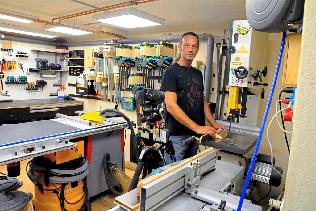 Andreas Küp bei der Arbeit. Im Baumarkt gibt es für ihn nichts mehr zu kaufen, sagt er. Er hat bereits alles.